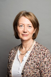 Council Chief Executive Lesley Seary